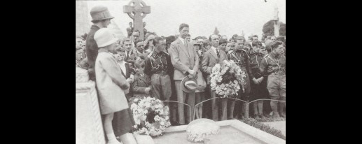 Constance is buried at Glasnevin Cemetery, Dublin. Éamon de Valera, pictured here, gave the oration. Thousands lined the streets of Dublin for her funeral procession.