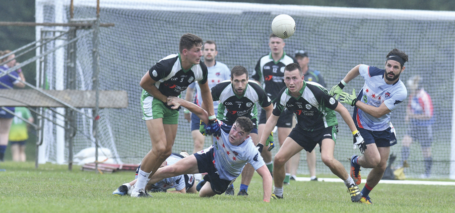 The Chicago Patriots and Austin Celtic Cowboys struggle for the ball during the Intermediate Football Final. (Photographs by David Morgan, Stylish Images)